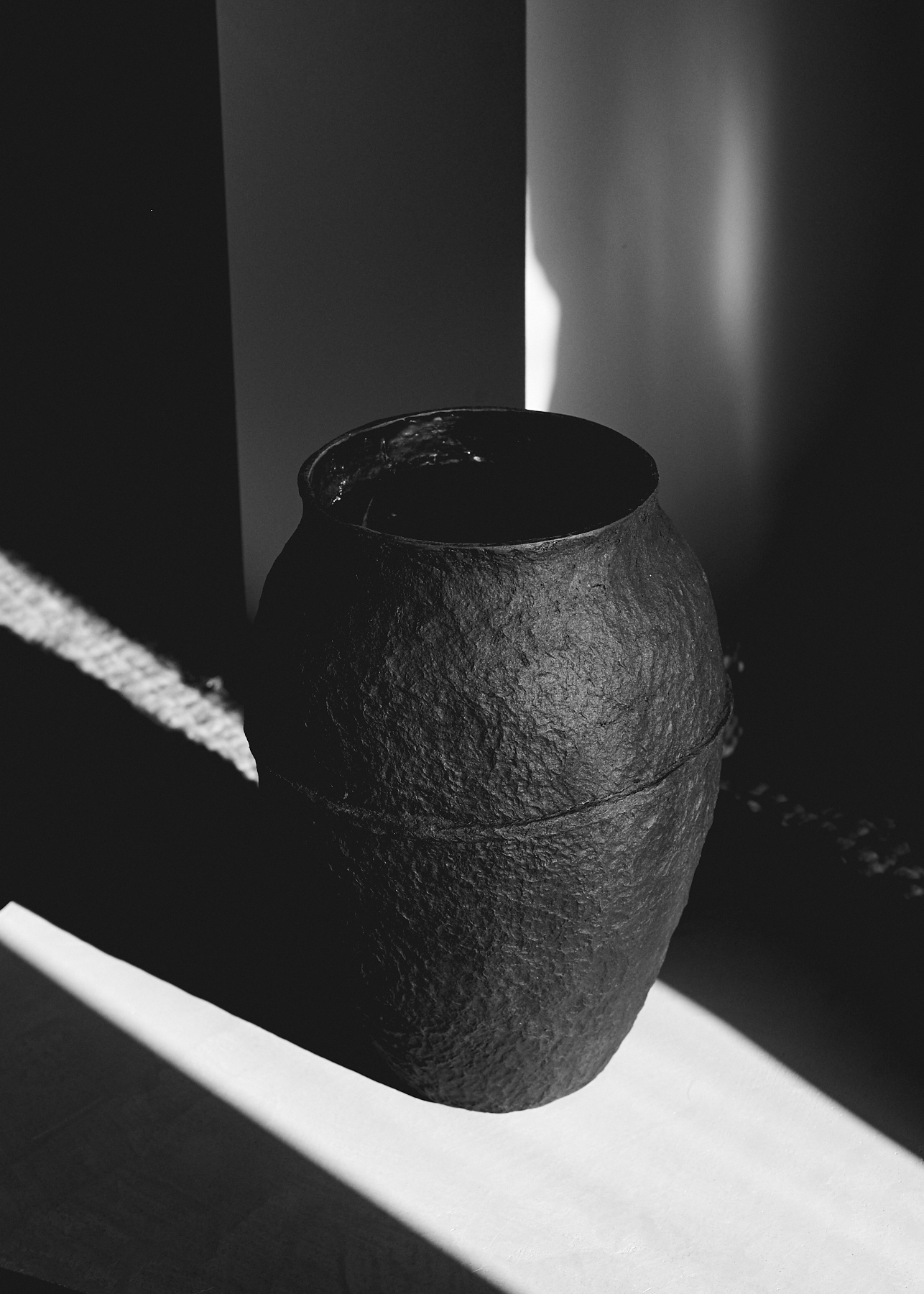 Black Paperpulp Vase High